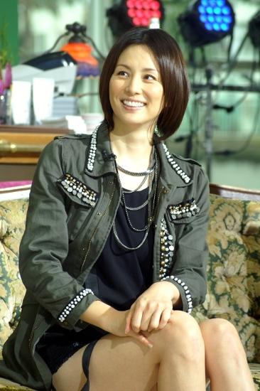0795aa37e555b テレビ朝日系ドラマスペシャル「ナサケの女 ~国税局査察官~ Special」をPRした米倉涼子